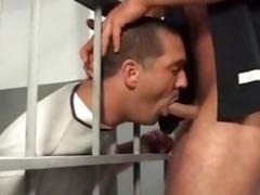 bears trap in jail