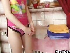 her chap comes in when his daddy copulates her