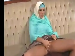 ichkerian sister-in-faith caresses pussy