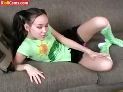 daughter&#039 s teen ally helps jerk off