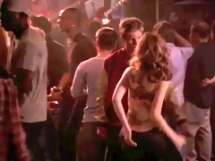 michelle trachtenberg - shaking it for dad